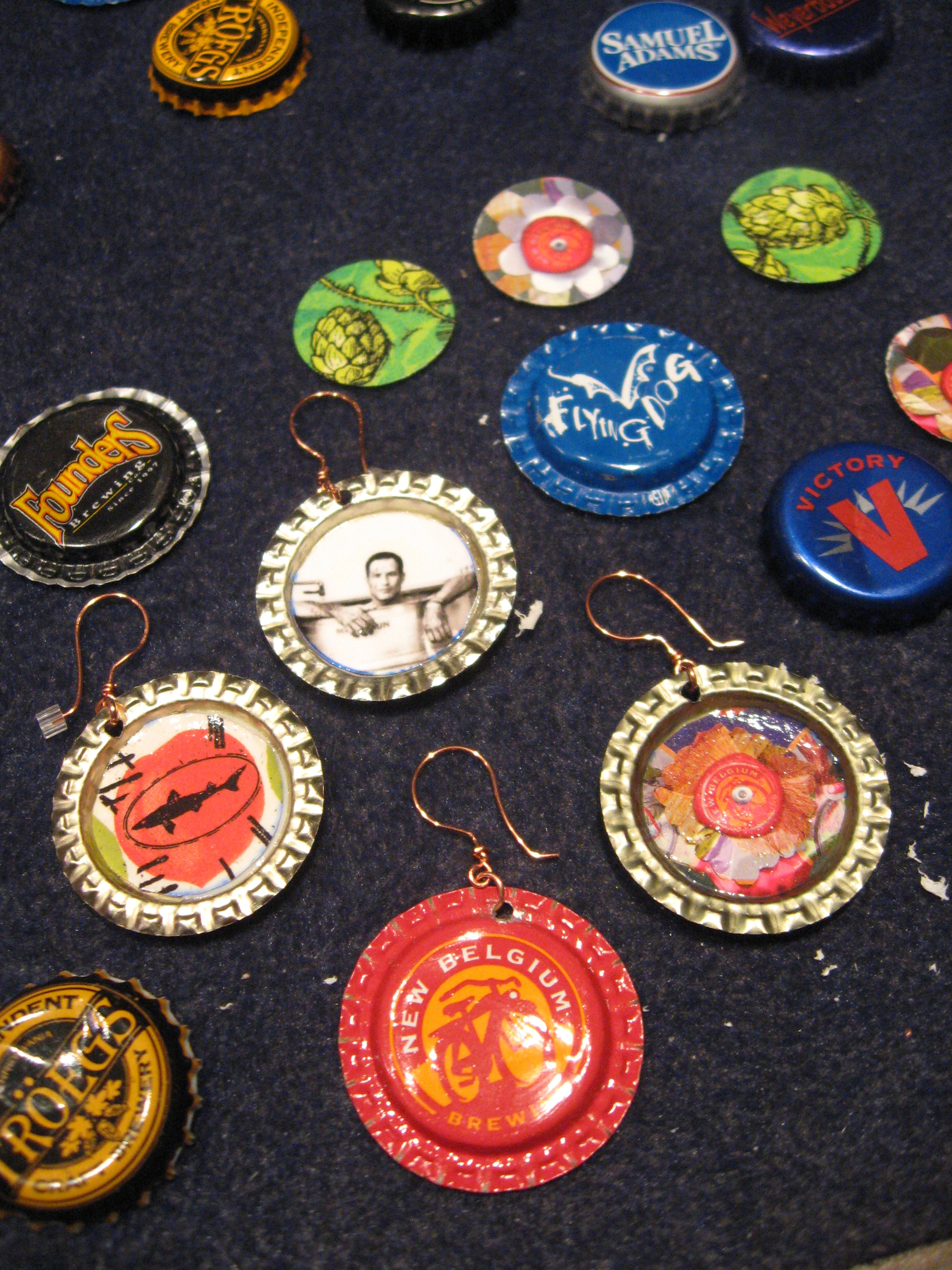 Upcycled beer crafts cheers beers for Cool beer cap ideas